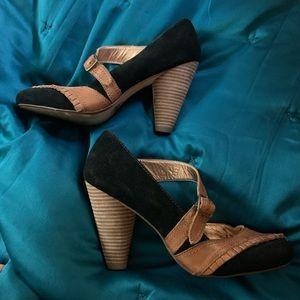 Seychelles Wayne, PA Special Edition heel